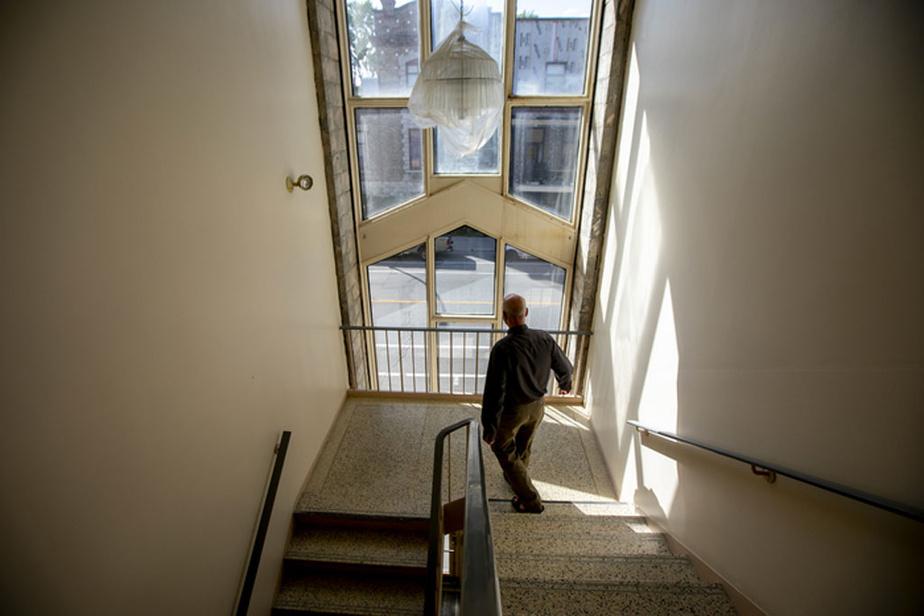 Le nouveau Grand Séminaire de Montréal, à l'angle des rues Saint-André et Bélanger dans Villeray