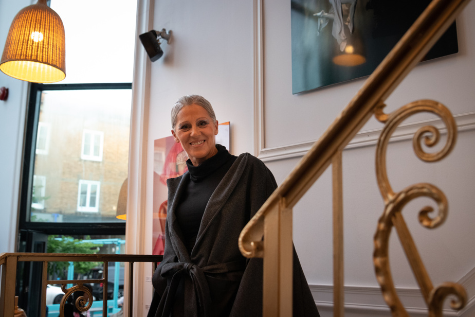 Avenue Laurier, la designer Carmen Popescu de Nemrac a dévoilé sa collection automne-hiver, lors d'un évènement organisé à la Galerie Artrocks Design, en collaboration avec Manika Gaudet de Manik Fashion.