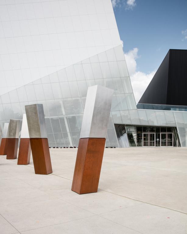 Complexe sportif de Saint-Laurent Saucier + Perrotte Architectes en consortium avec HCMA