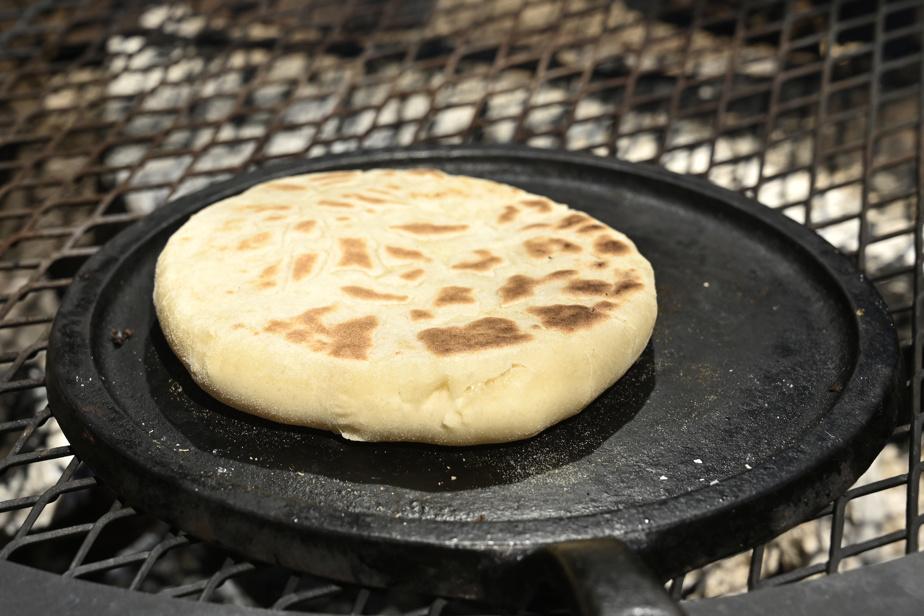 Un indice que le pain est prêt: il commence à gonfler!