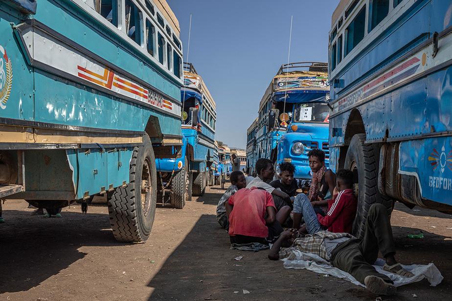Ils sont ensuite transportés vers des camps, dans ce cas-ci le «Village huit», dans l'est du Soudan.