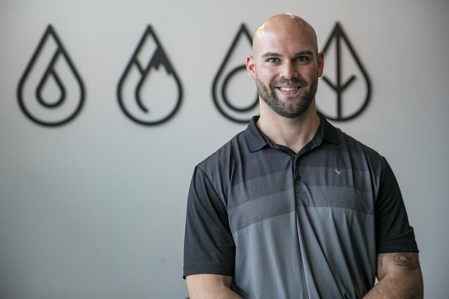 Après avoir travaillé comme entraîneur à la clinique MAA, au club Mansfield et au studio d'entraînement Saint-Paul, Julien Couvrette a ouvert cet été le studio Synergex à Laval.