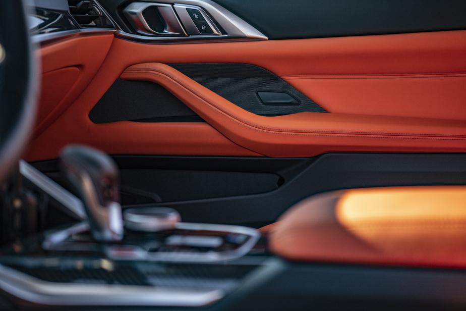 Ces BMW ne sont plus des voitures de course mises sur la route, mais elles profitent des retombées technologiques de la compétition automobile.