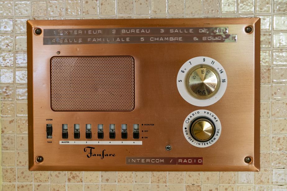 Le système d'interphone est toutefois l'une des rares choses qui ont rendu l'âme assez rapidement dans cette maison.