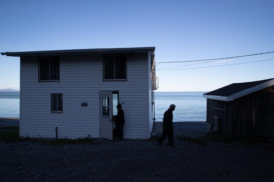 L'Anse-au-Sac tient son nom du mode de livraison du courrier dans Charlevoix à l'époque. «C'est un des seuls endroits où c'est assez creux, près du rivage, le bateau de poste n'avait pas besoin d'accoster. Ils lançaient tout simplement les sacs de poste et quelqu'un venait les récupérer», raconte JulieGauthier.
