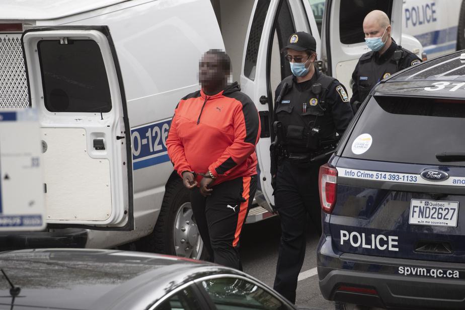 Le Service de police de la Ville de Montréal (SPVM) fournira un bilan des accusations au cours de la journée.