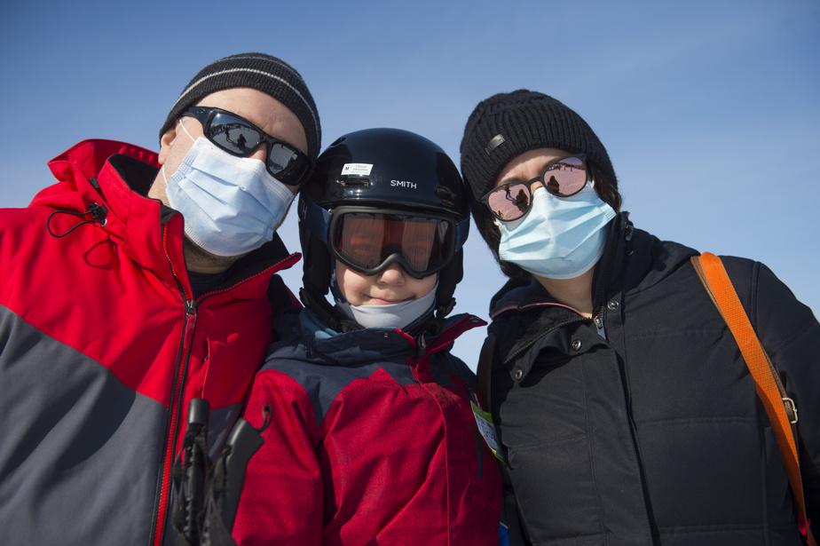 Anita Cirstea, son mari, Catalin Cirstea, et leur fils Alex font partie de ceux pour qui l'hiver pandémique se passe sur les pentes.
