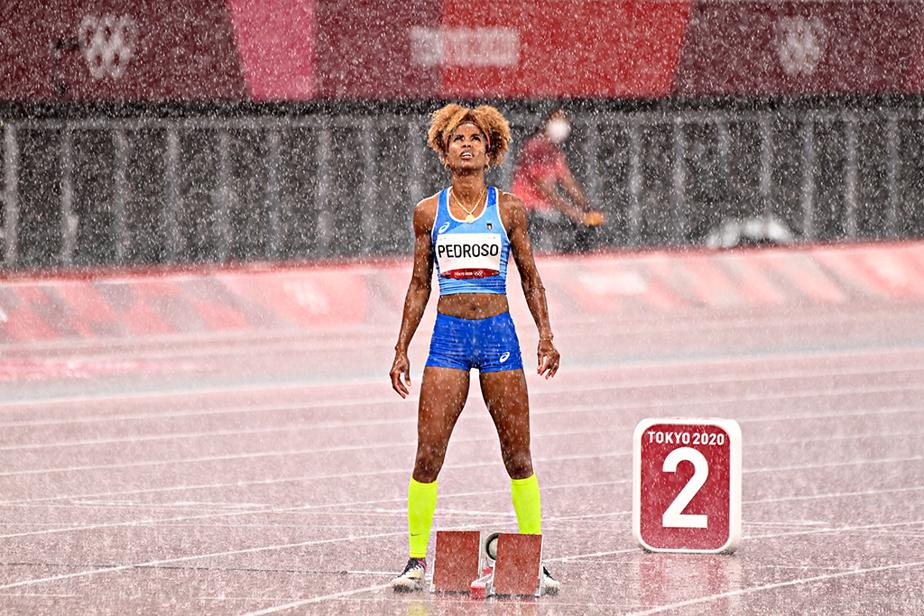 L'Italienne Yadisleidy Pedroso attend le départ de la demi-finale du 400m haies féminin.