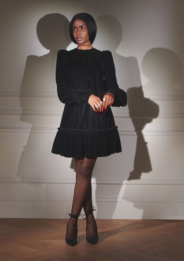 Robe en velours avec nœud, H&M, 59,99$