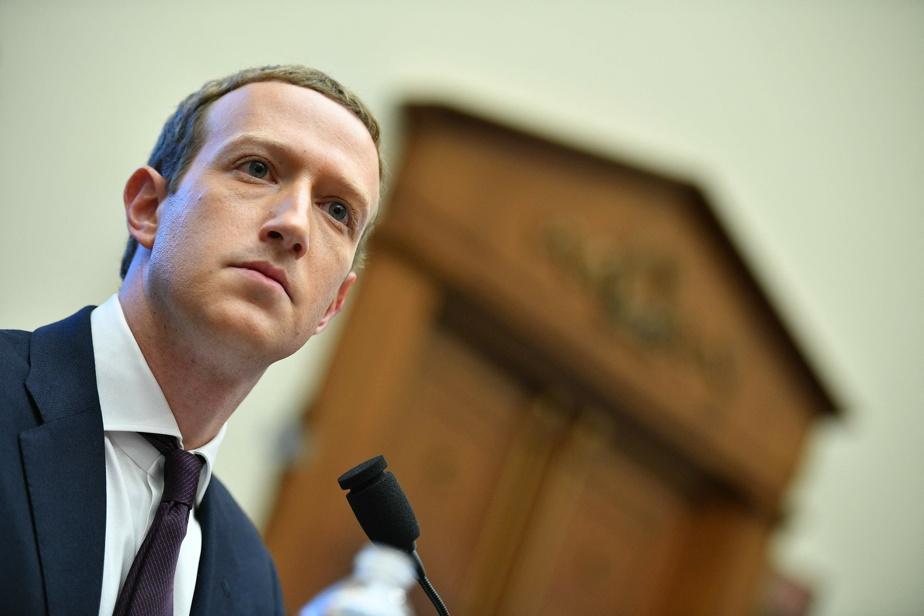 Facebook annonce suspendre Donald Trump pour deux ans — États-Unis