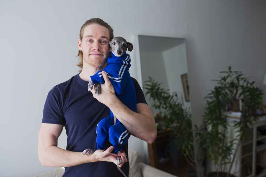 Tikka the iggy, chien vedette, et son maître Thomas Shapiro