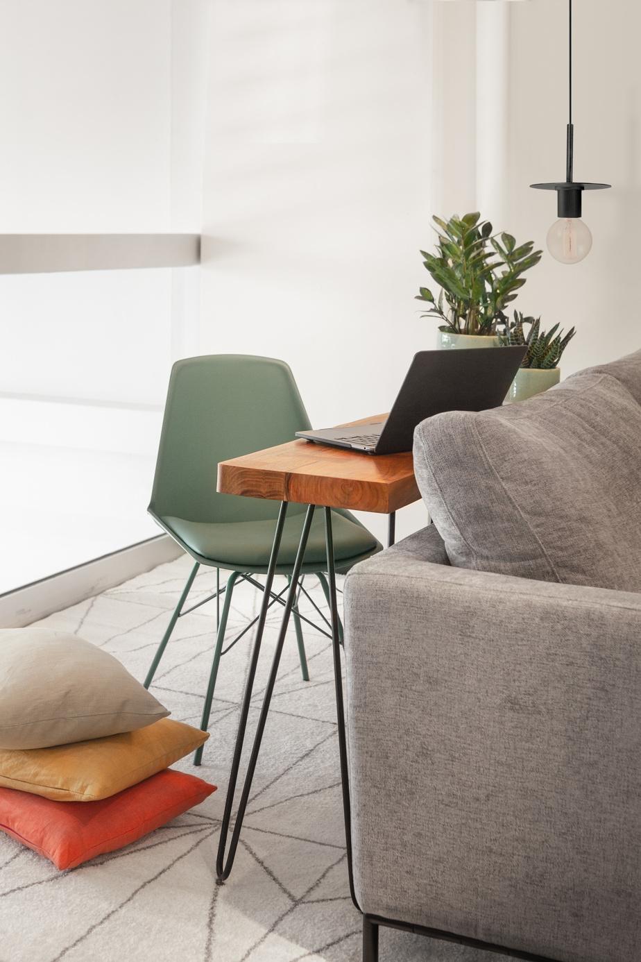 Une console peut être utilisée comme un bureau et peut être installée n'importe où dans la maison, indique Yan-Erik Tessier, de Zone Maison. Elle procure de nombreuses possibilités.