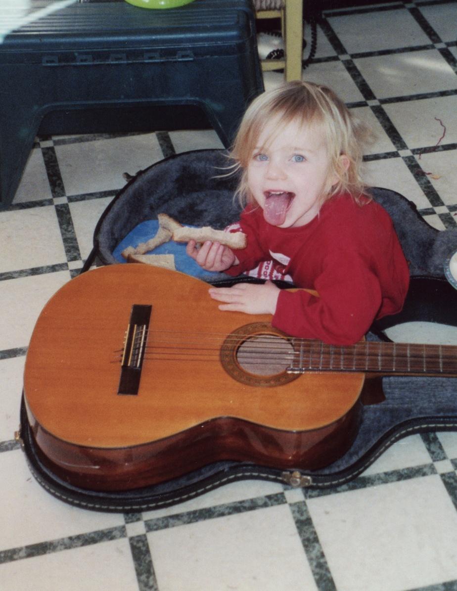 Petite, Billie Eilish avait un air espiègle qu'elle mettra de côté à l'adolescence.