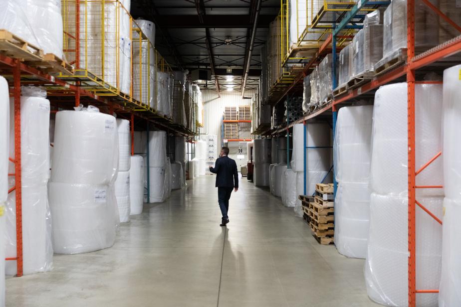 Pendant quelques décennies, Emballage CARTIER s'est spécialisée dans la vente de boîtes, papier bulle, pellicule plastique, ruban adhésif, corde.