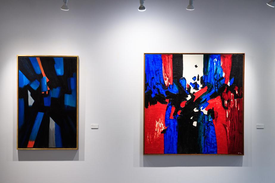 À gauche, un magnifique Jean-Paul Mousseau, Bleu-éclats, de 1955, estimé entre 70000 et 90000$, et à droite, Théorème à Plasticien de l'artiste phare du mouvement post-automatiste Lise Gervais (1933-1998), estimé entre 25000 et 30000$.