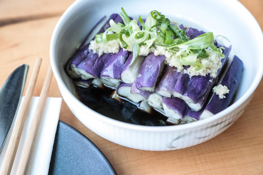 Les légumes sont en vedette dans ce plat.