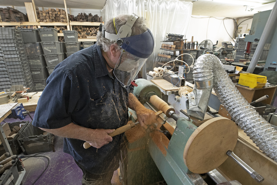 François Vincelette fait également le tournage traditionnel à la main.