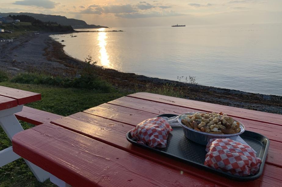 «Une belle vue et un burger magnifique au casse-croûte LaGlacerie, à Grande-Vallée. Le repas parfait après la randonnée auparc national de la Gaspésie.»—Joshua Barrett