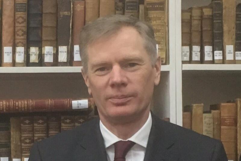 Hasil gambar untuk Iran: l'ambassadeur du Royaume-Uni a été brièvement arrêté