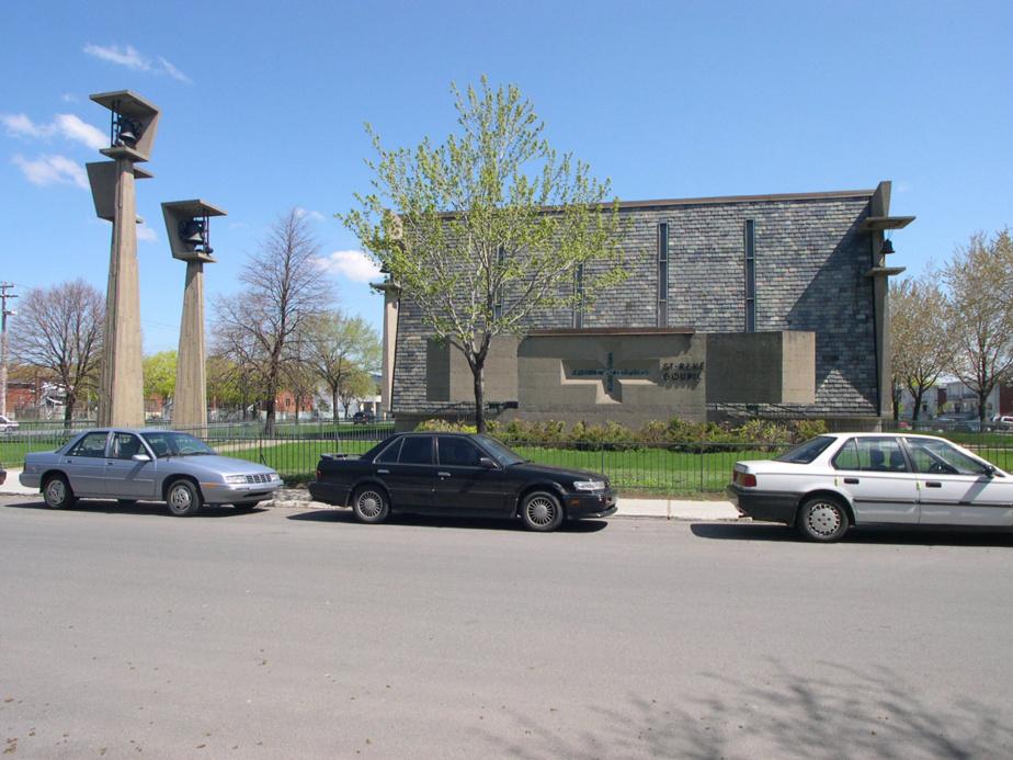 Saint-René-Goupil (Montréal) — Construite en 1963, cette petite église intimiste est percée de fenêtres longues et étroites et chapeautée de trois clochers aux formes abstraites. L'intérieur se démarque par sa géométrie et par ses matériaux bruts.
