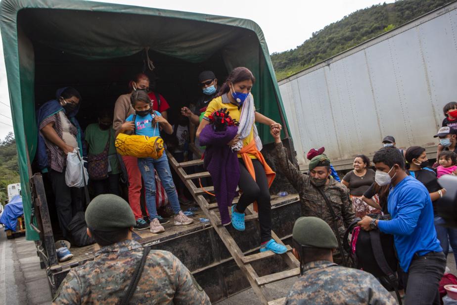 Ils ont été ramenés à El Florido, à la frontière entre le Guatemala et le Honduras.