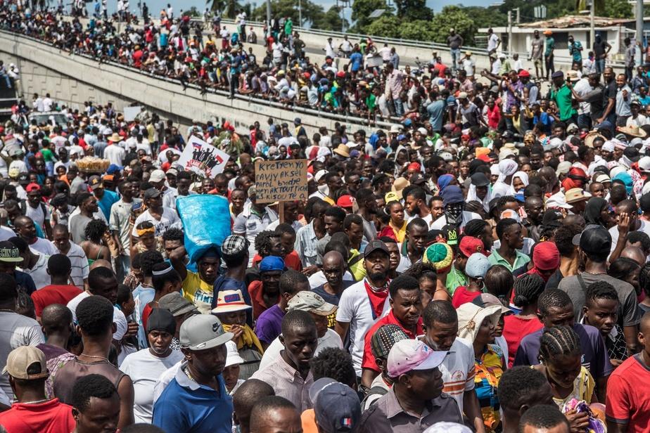 Les policiers ont manifesté à leur tour — Haïti
