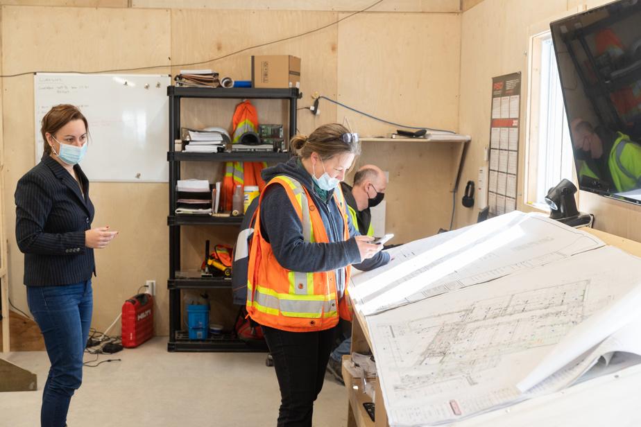 Selon les statistiques les plus récentes de la Commission de la construction du Québec, les femmes comptent pour 2% de la main-d'œuvre dans les métiers spécialisés.