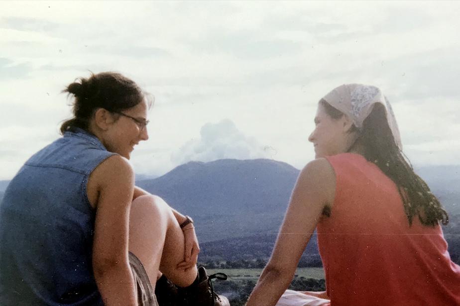 Janou-Eve LeGuerrier et Mélanie Verville lors de leur voyage humanitaire au Nicaragua, où leur grande amitié a pris son envol.