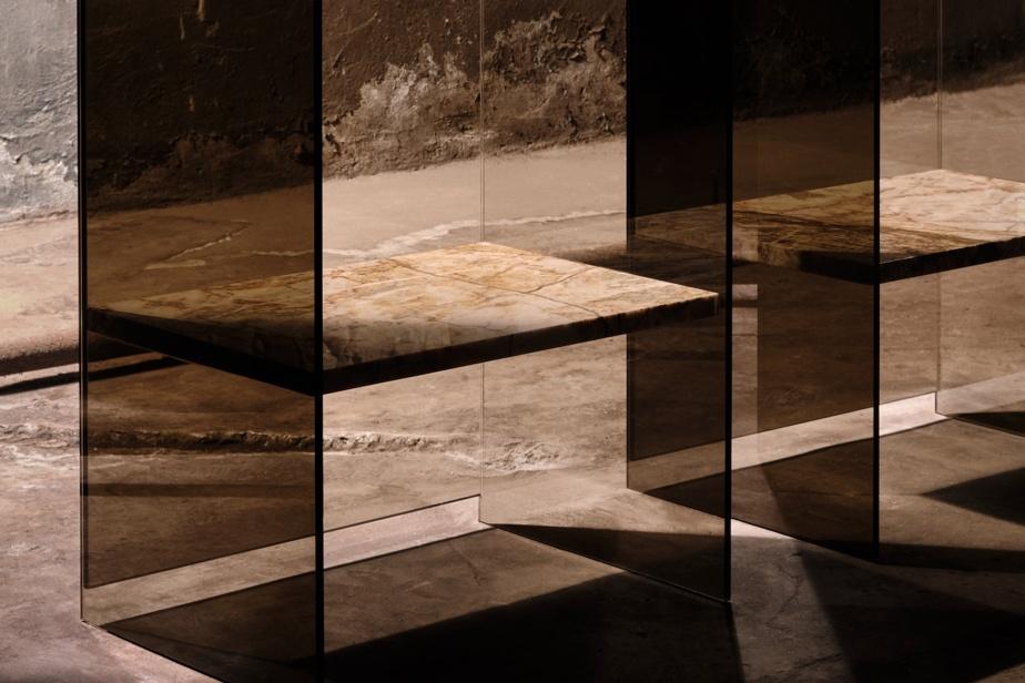 Les chaises imaginées par Claste Collection «permettent un contact visuel limité, mais préservé, avec l'environnement».