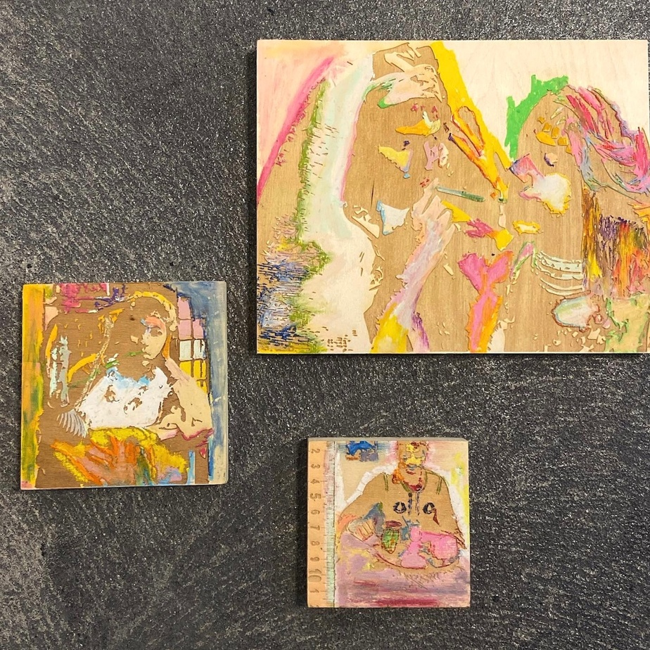 Les souvenirs volés no14, 2021, triptyque, gravures sur bois, pigment et pastel à l'huile. Galerie Mayten's, Toronto.