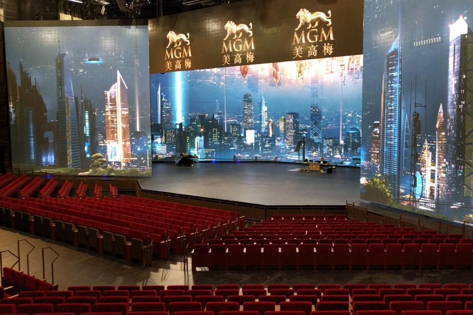 Scéno Plus fait la conception de l'ensemble de la salledu théâtre MGM Cotai à Macao, en Chine: la structure, ladisposition des gradins et des sièges, le design intérieur, les éléments mécaniques et techniques, les dispositifs scéniques, les coulisses, les loges…