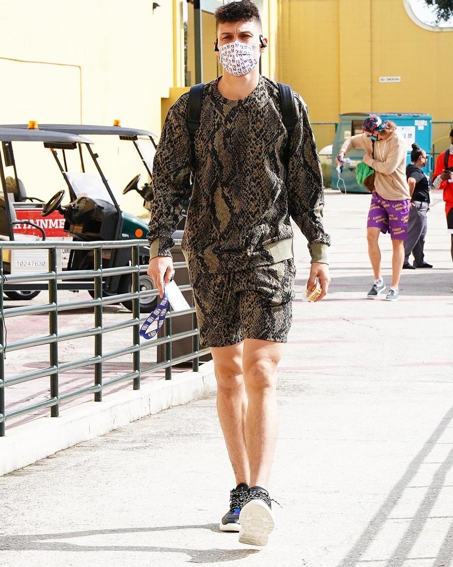 Le joueur du Heat de Miami Tyler Herro porte le modèle cobra réalisé grâce à la technologie Hyper Reality Knit de Twenty.