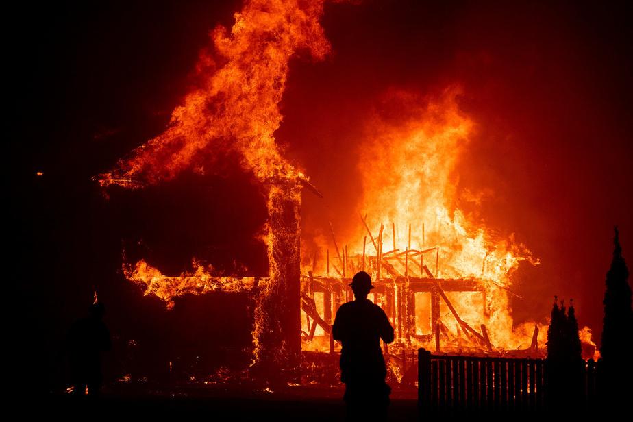 Un mort, des milliers d'évacués à Los Angeles — Incendies en Californie