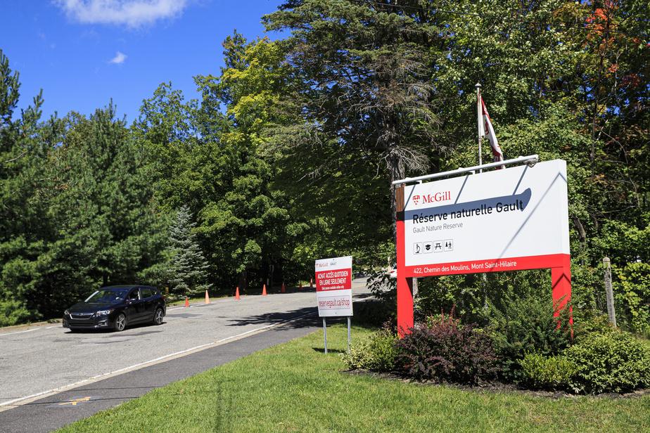 La Réserve naturelle Gault de l'Université McGill, nom officiel du centre de la nature du mont Saint-Hilaire