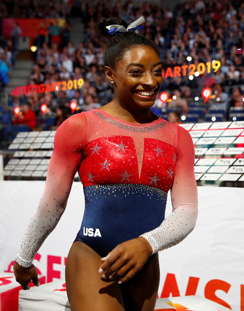 Biles égale le record absolu de médailles mondiales — Mondiaux de gymnastique