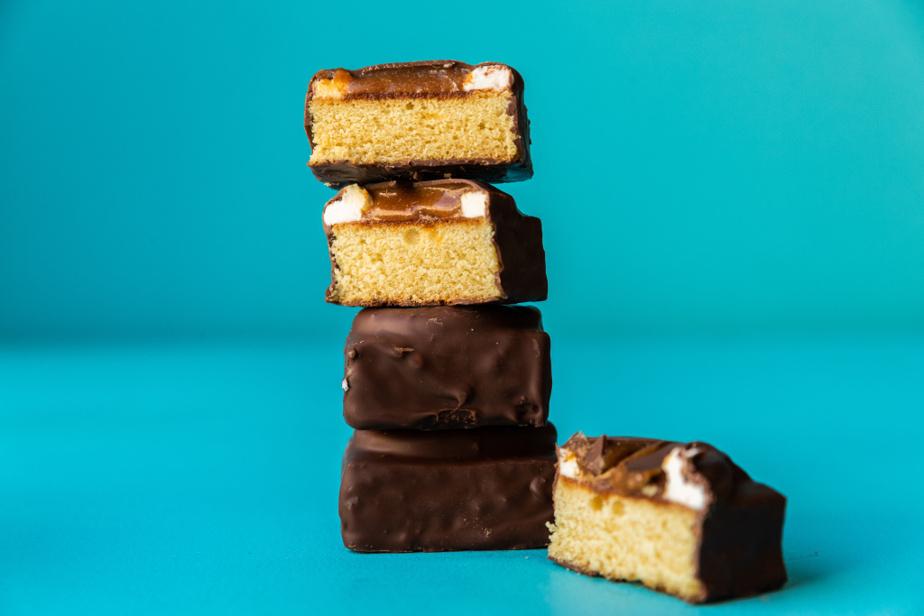 On trouve aussi les P'tits gâteaux au caramel chez Crémy, avenue du Mont-Royal Est, à Montréal.