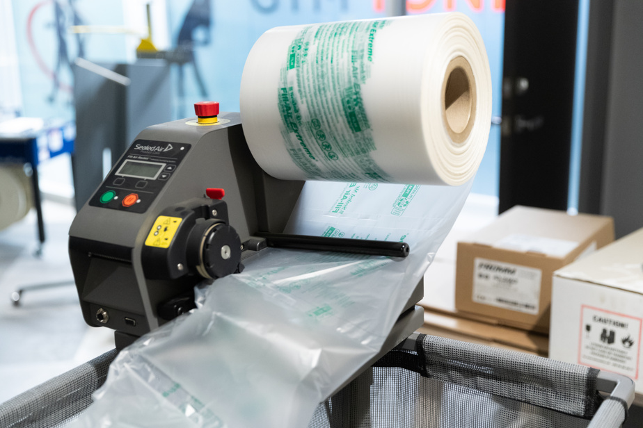 Il vend encore des produits, mais aussi de l'équipement qui automatise l'emballage et les services scientifiques de son laboratoire certifié par l'ISTA.