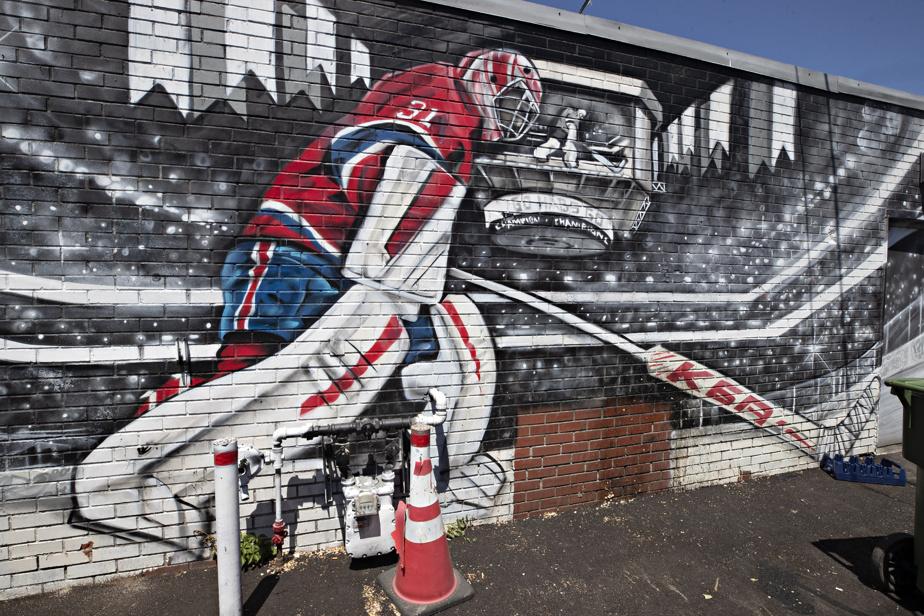 Œuvre murale en hommage à Carey Price (2020) par Axe Lalime, au 5412, rue de Charleroi. Cette œuvre murale montrant celui qui s'est dressé comme un mur devant les rondelles était-elle un présage des séries éliminatoires à venir?
