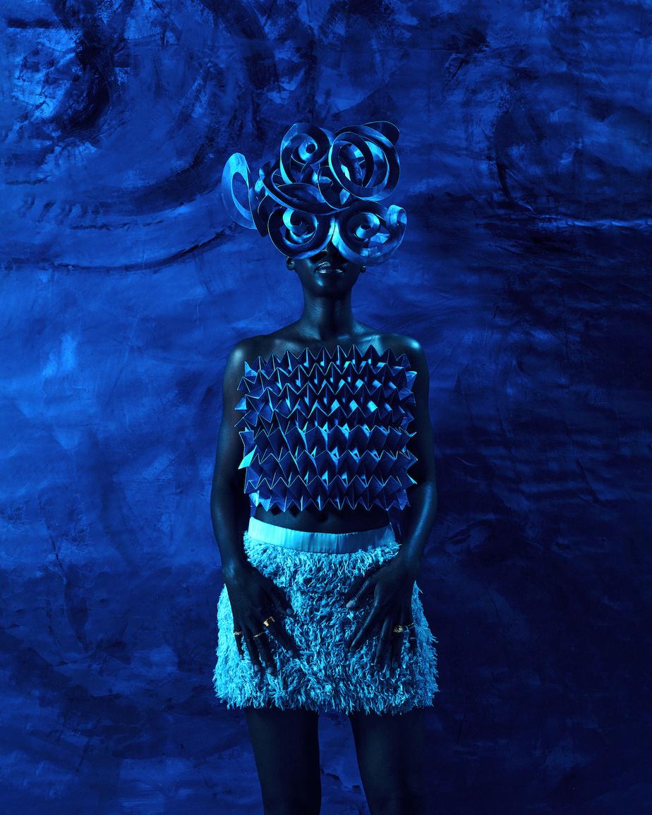 Inspirée des Gorgones, ces figures malfaisantes de la mythologie grecque, cette photo explore le thème de la colère au féminin. «Cette photo est très impressionnante, mais il y a aussi une vulnérabilité derrière, remarque Pauline Loctin. Souvent, c'est très mal vu, dans certains milieux, quand nous, les femmes, on montre nosémotions.»