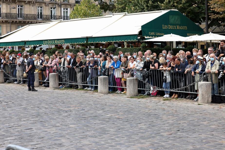 Des «Bébel», «Bébel» ont été lancés parmi la foule, comptant des fans arrivés dès 8h.