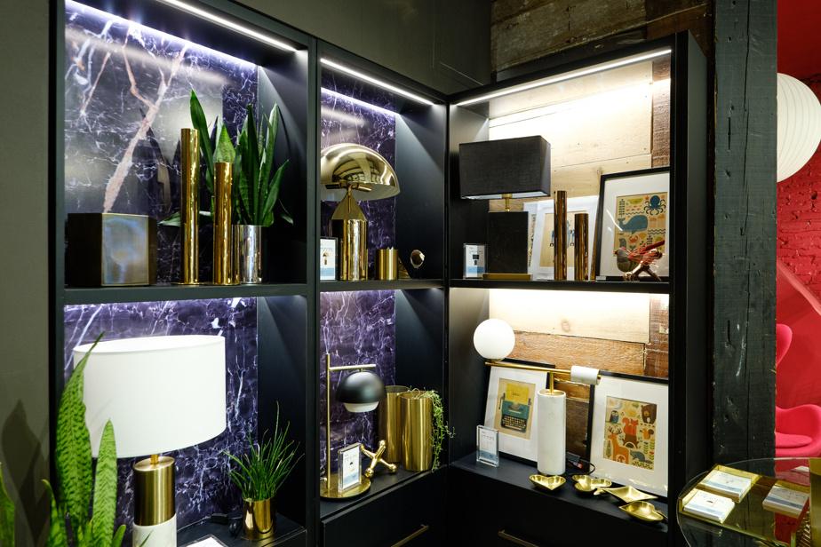 La Maison Prunelle se démarque par ses luminaires de stylerétro.