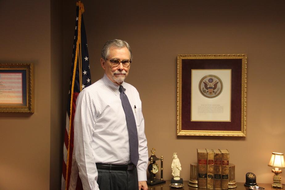 Eric Johnston, avocat de Birmingham, a participé à l'écriture d'une loi qui interdit en pratique l'avortement en Alabama.