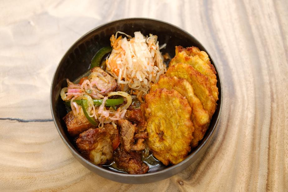 En tapas, le griot, servi avec plantain frit bien doré et pikliz, est un classique incontournable.