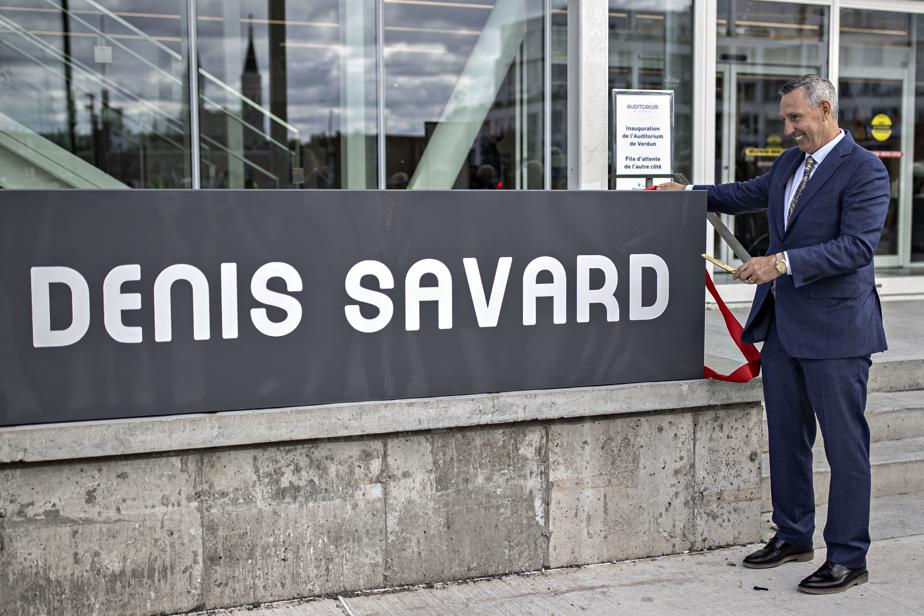 Denis Savard, qui a également grandi dans le quartier adjacent, a vu l'espace portant son nom être rénové lui aussi durant les travaux.