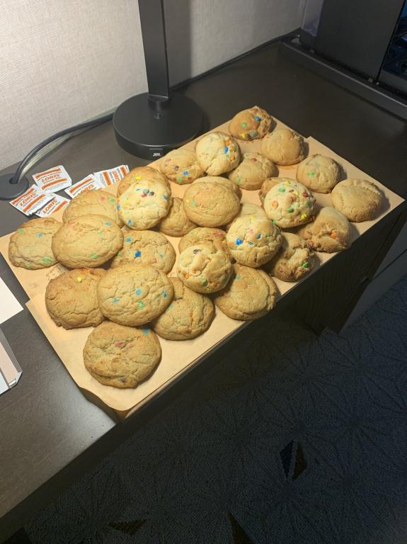 Louis Domingue a commencé bien humblement en faisant des biscuits aux pépites de chocolat M&M's pour ses coéquipiers.