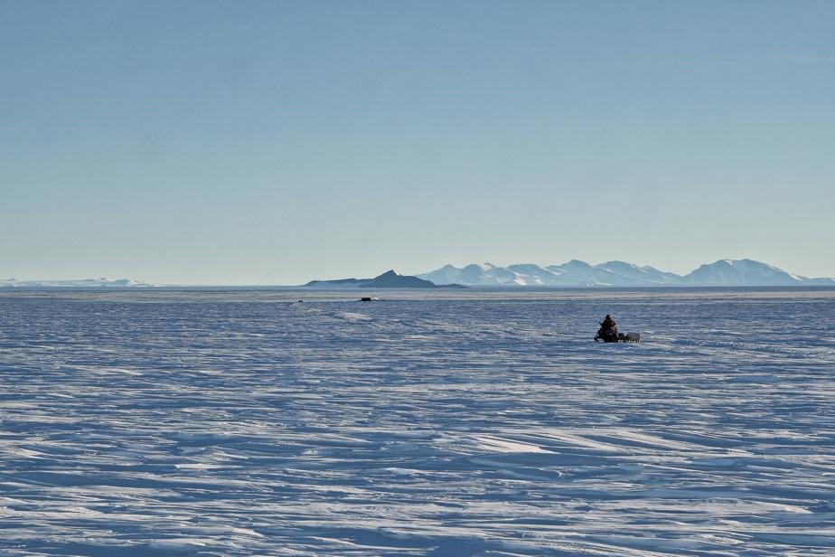Deployment Site: 70,5700 S, 23,6086E – Antarctica, 2019, photo courtoisie d'Alain Hubert, International Polar Foundation, impression numérique, 61cm sur 92cm