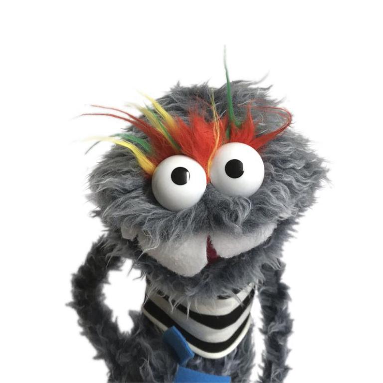 Ce monstre poilu, baptisé Fuzz, est l'un des plus populaires sur la page Etsy de l'artisan.