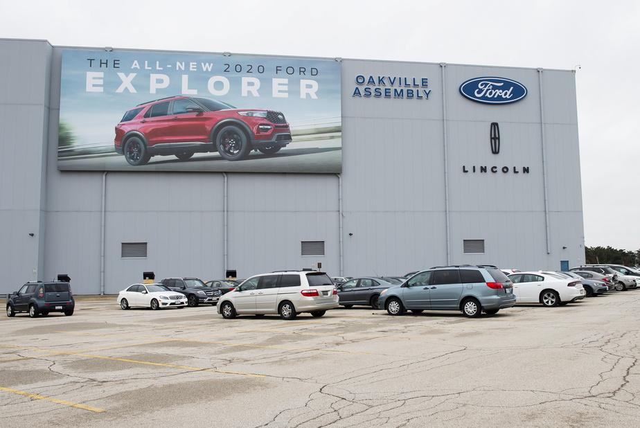 Le Canada investit massivement dans un projet d'usine de véhicules électriques Ford