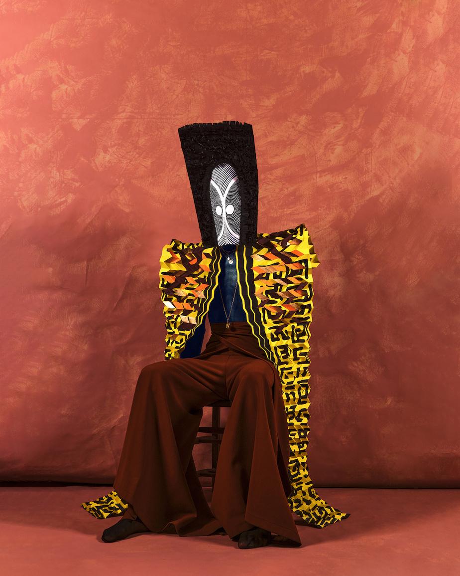 Surnommé «le roi», ce personnage incarne la dualité au masculin. «Avec le masque, la grosse tenture en papier, il y avait cette volonté de montrer les hommes très, très forts, expose Pauline Loctin. Mais les hommes ont aussi cette dualité qu'on leur refuse. Quand un homme pleure ou est vulnérable, c'est malvu.»