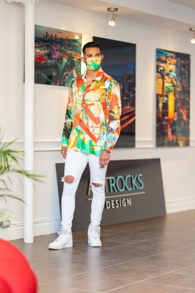 Tansformation, œuvre plus abstraite imprimée sur une chemise et une robe chemisier